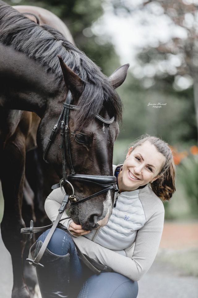 Gastbeitrag Kristina Sehr: Sättel, Smartphone und Social Media: Pferd 2.0